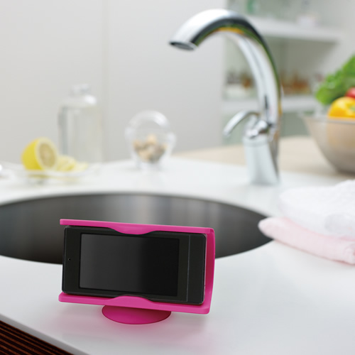 キッチンでワンセグや動画を楽しめます