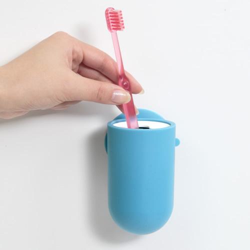 壁に歯ブラシを収納できます
